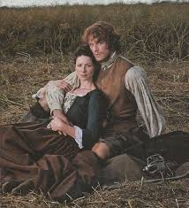 Picture of the actors playing Jamie and Claire in the Outlander TV Series.